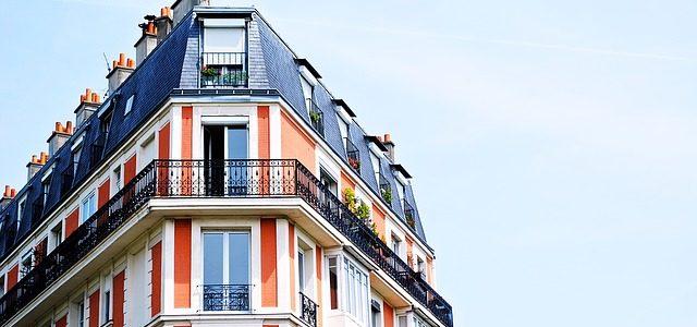 Destination bourgeoise d'un immeuble et location HLM